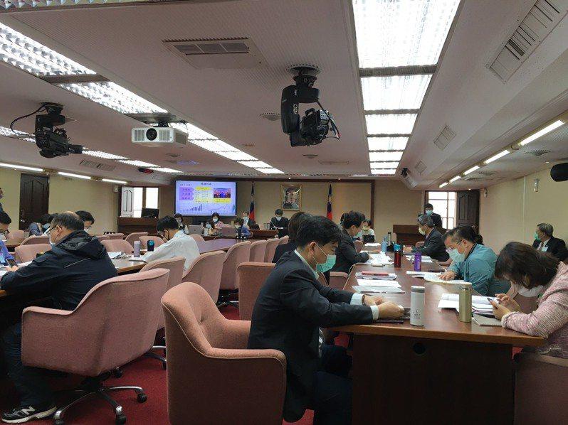 立法院衛福委員會今天邀請環保署報告業務。記者吳姿賢/攝影