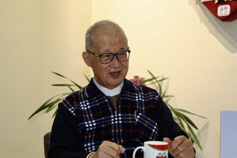 監察院前院長王建煊接受聯合報專訪表示,他罹患攝護腺癌,有頻尿困擾,但他只要還能動,一定努力演講、做公益。記者魏莨伊/攝影