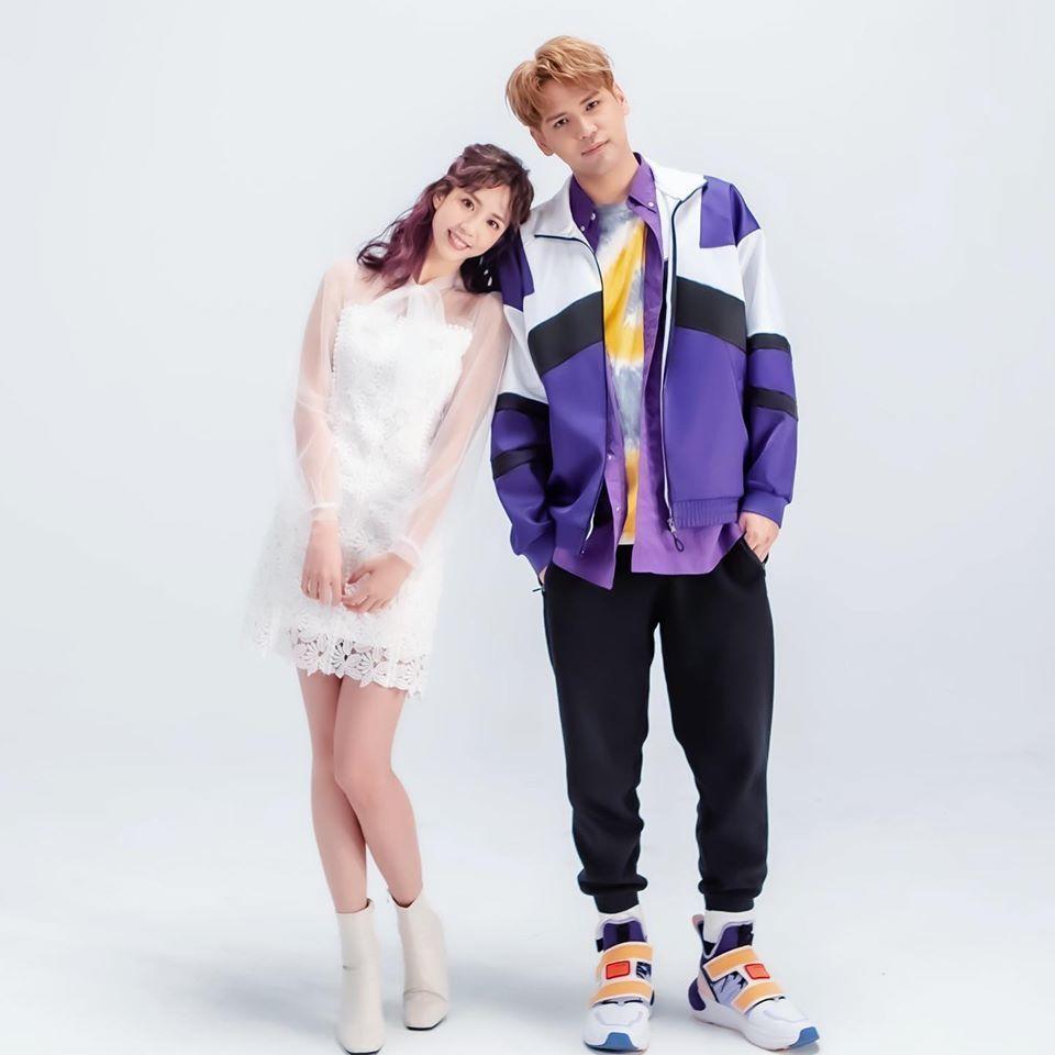荳荳(左)和陳零九合唱「可不可愛」。圖/摘自臉書