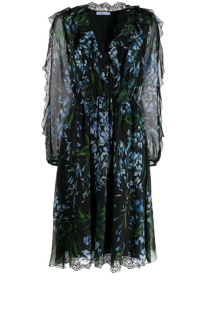 金喜愛在劇中穿的襯衫是Blumarine去年秋冬系列,類似款的紫藤花卉透視洋裝,...