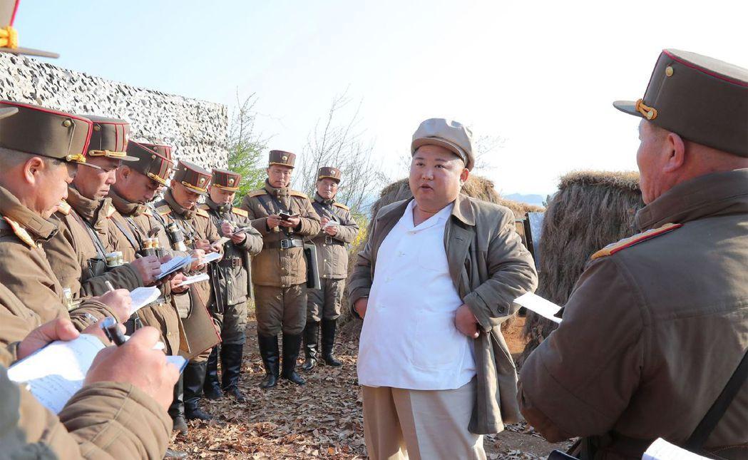 由於北韓的高壓獨裁與資訊封閉,外界對於金氏政權的新聞報導往往虛實參半、混合大量流...