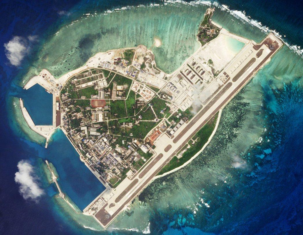 其中西沙區政府位於永興島,管轄範圍除了西沙群島外還包括中沙群島島礁及其海域。 圖...