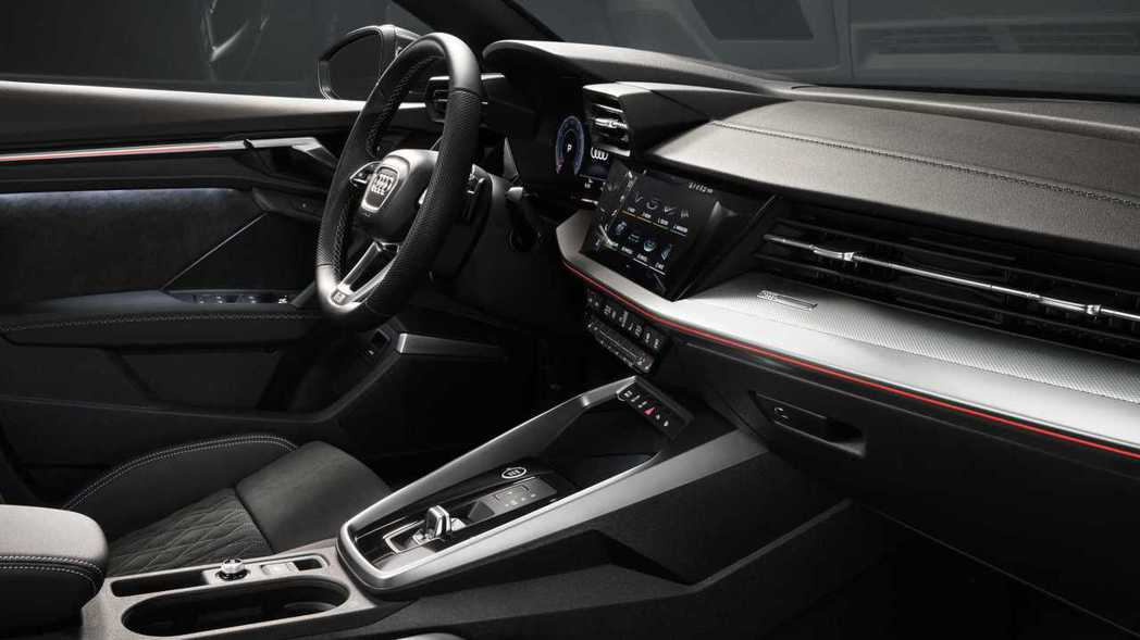A3全新的中控台風格為入門級距樹立新典範。 摘自Audi