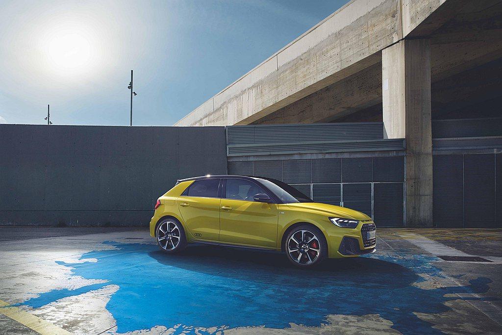 全新世代Audi A1 Sportback全車系提供諸多繽紛車色如萊姆黃、渦輪藍...