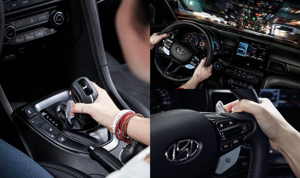 新年式Hyundai Veloster N車室做了點小小變化。 摘自Hyunda...