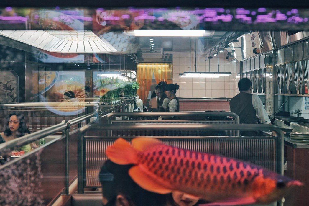 詹記敦南店呈現雜揉過去和現代的混搭台風。 圖/本事空間製作所提供