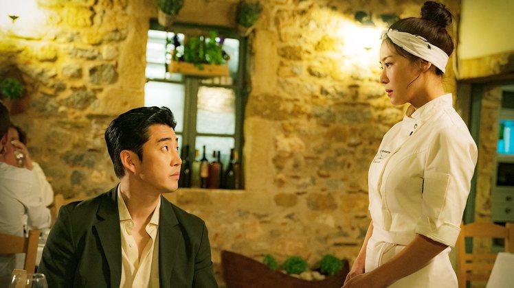河智苑(右)、尹啟相在「巧克力」上演虐心戀。圖/東森提供