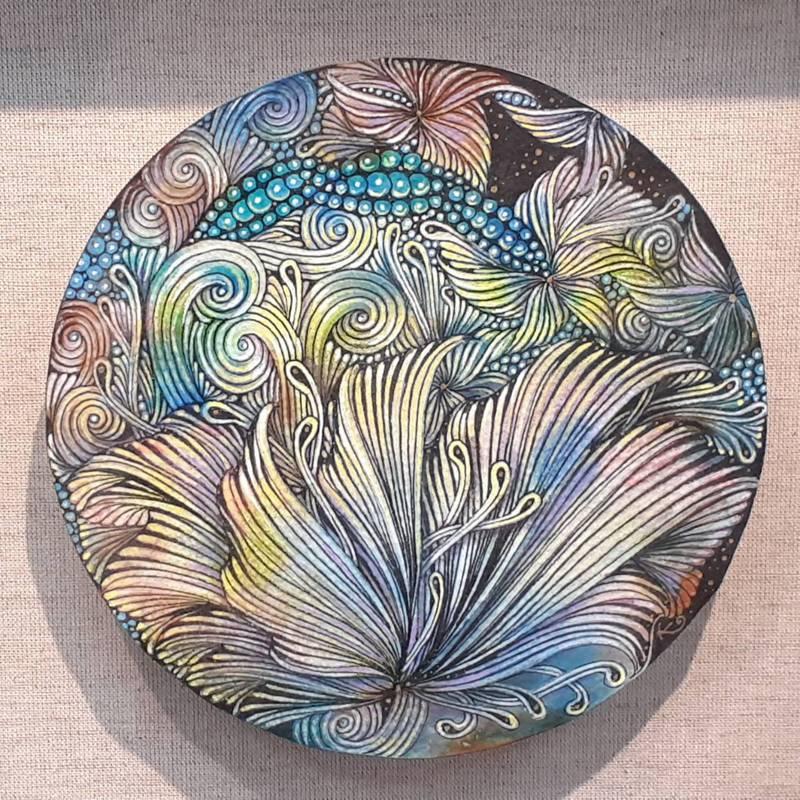 葉家禎的禪繞畫作品會在意象中加入具象,例如結合蝴蝶、魚、花等。圖/竹崎文化藝術基金會提供