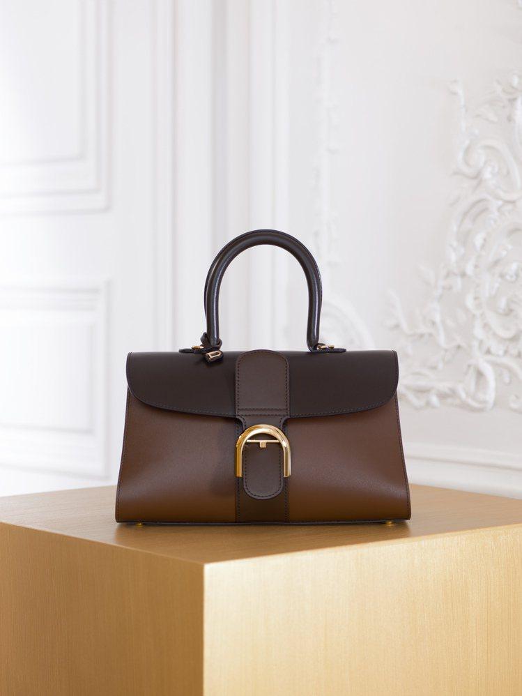 Brillant煙灰色寬版漸層牛皮肩背手提包,售價16萬8,100元。。圖/DE...