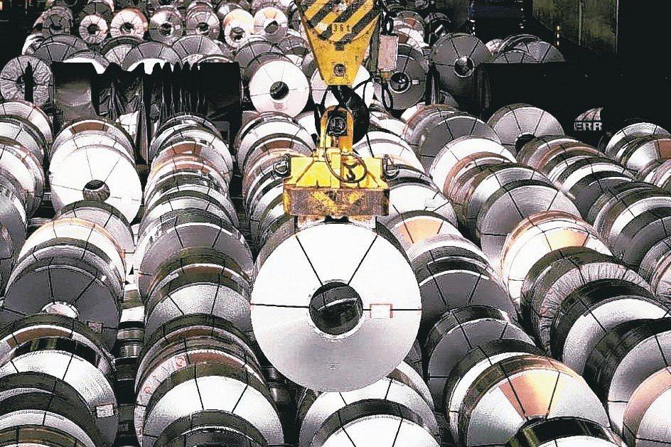 國際鐵礦行情創六年新高,鋼市氛圍轉正。中鋼今(21)日將開出10月以及第4季盤價...