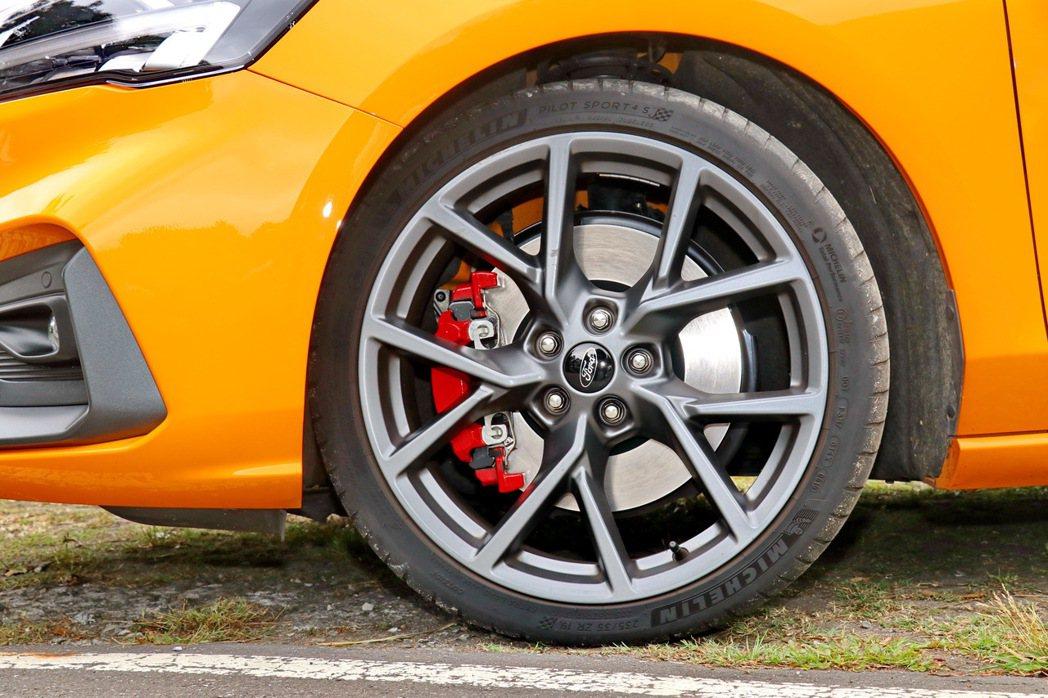 Michelin 19吋 Pilot Sport 4 S進階高性能跑胎,搭配上S...