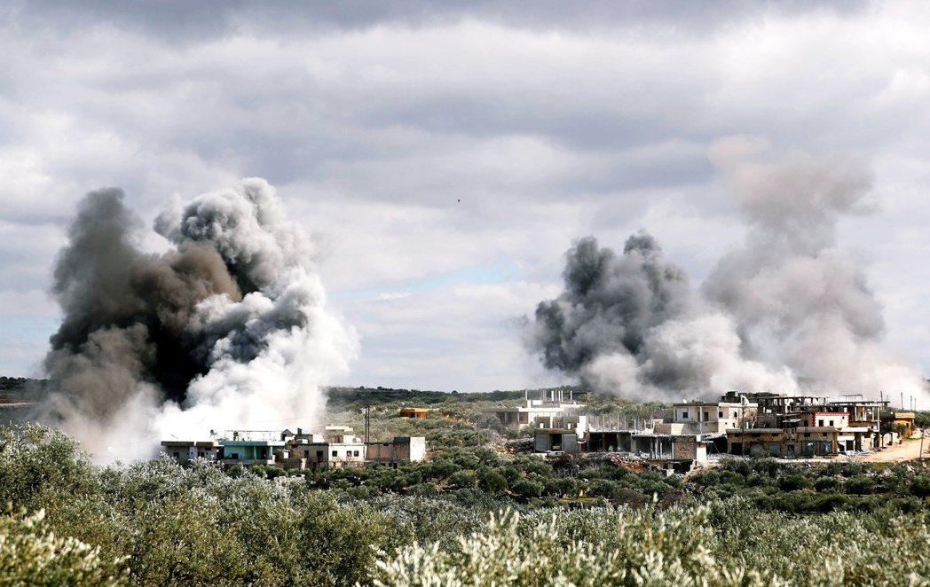 敘利亞、葉門的戰爭動亂正進入殘酷的終極高峰。圖為3月,敘利亞戰爭中遭轟炸的易德利...