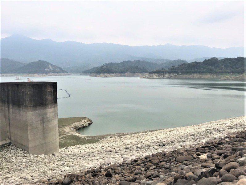 曾文水庫目前蓄水量正常,與烏山頭水庫合計還有1.3億立方公尺。圖/南區水資源局提供