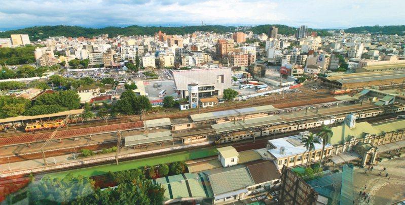 審計部指出,前瞻基礎建設計畫第一期補助地方政府預算實現率不佳,圖為列入前瞻計畫的新竹火車站。圖/聯合報系資料照片