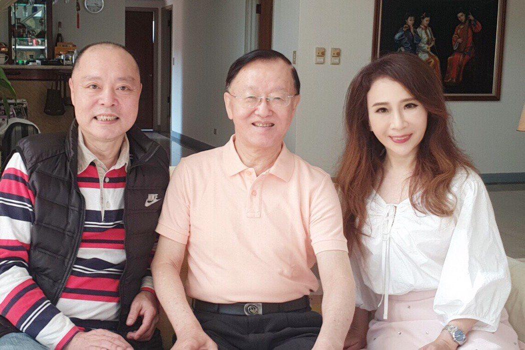 林銀村(左起)、盛竹如和陳玲玲共同催生「盛竹如講台灣犯罪現場」。圖/陳玲玲提供
