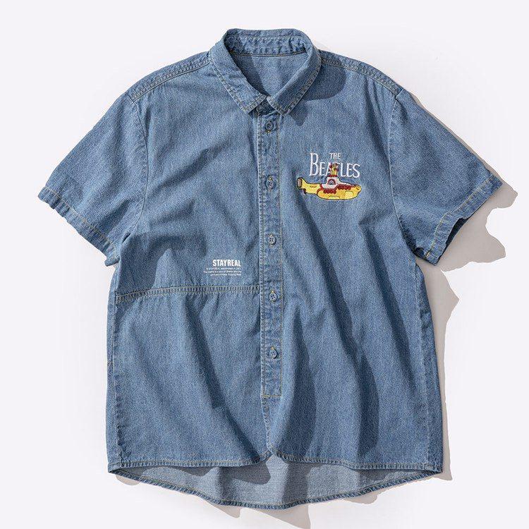 黃色潛水艇短袖襯衫1,880元。圖/Stayreal提供