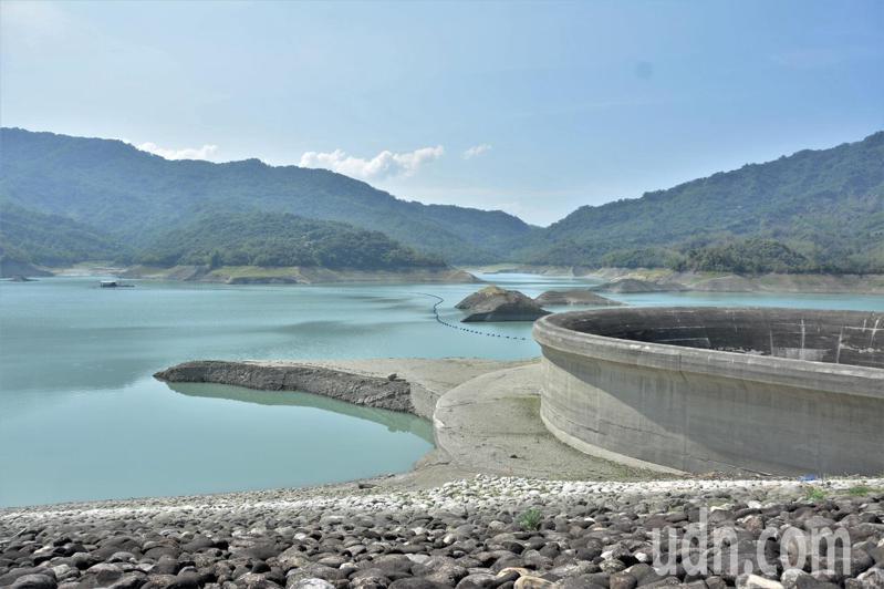 南化水庫今年水情直逼104年台南缺水危機。記者吳淑玲/攝影