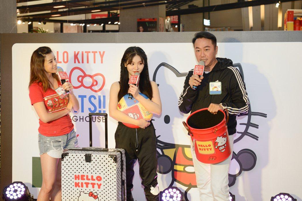 張克帆(右)和師妹王欣晨出席活動。圖/生活工場提供