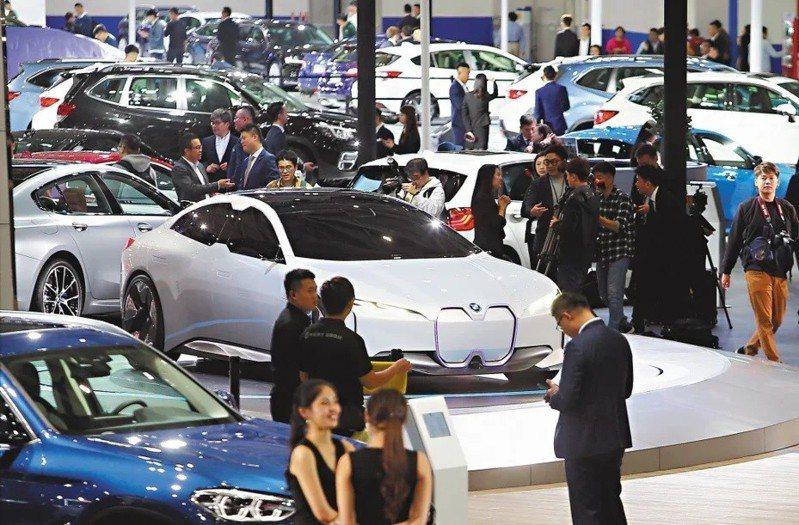 今年3月國內新車總銷售量3萬7277輛,比去年同期增加4886輛,許多消費者賞車後很快下單訂車、成交率變高。圖/聯合報系資料照片