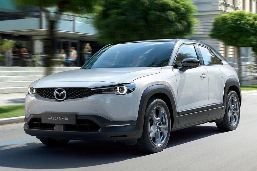 去年東京車展Mazda全球首發的MX-30電動車,原廠透露有機會導入新研發的小型...