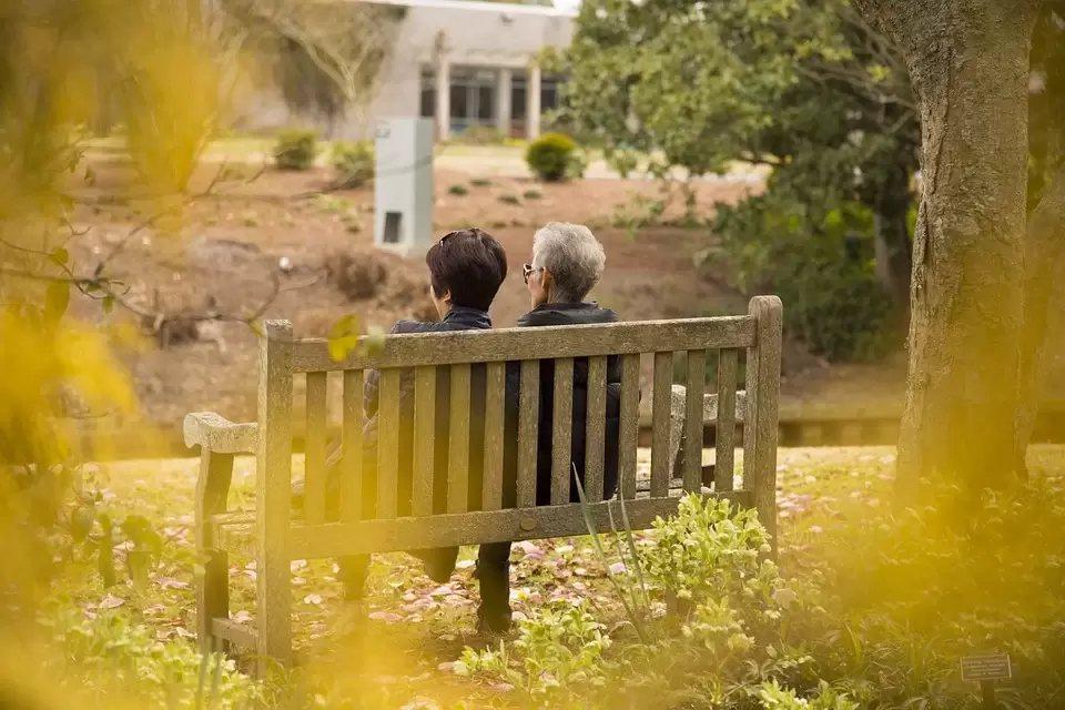尤其是在都市居住的長輩特別容易發生「銀髮族孤獨症候群」,離開原本熟悉的居住環境、...