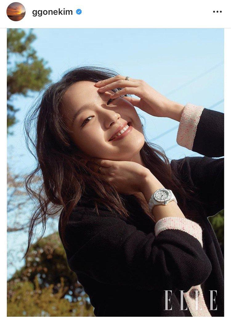 金高銀配戴香奈兒J12腕表與COCO CRUSH珠寶登上時尚雜誌。圖/取自IG ...