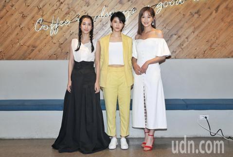 公視新創電影短片《潘朵拉》下午舉行媒體茶敘,劇中演員温貞菱、江沂宸、梁以辰出席。