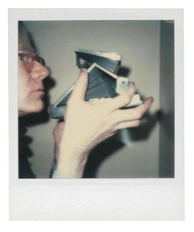 佳士得「安迪沃荷:美好歲月」,ANDY WARHOL自拍照,估價約30,000美...