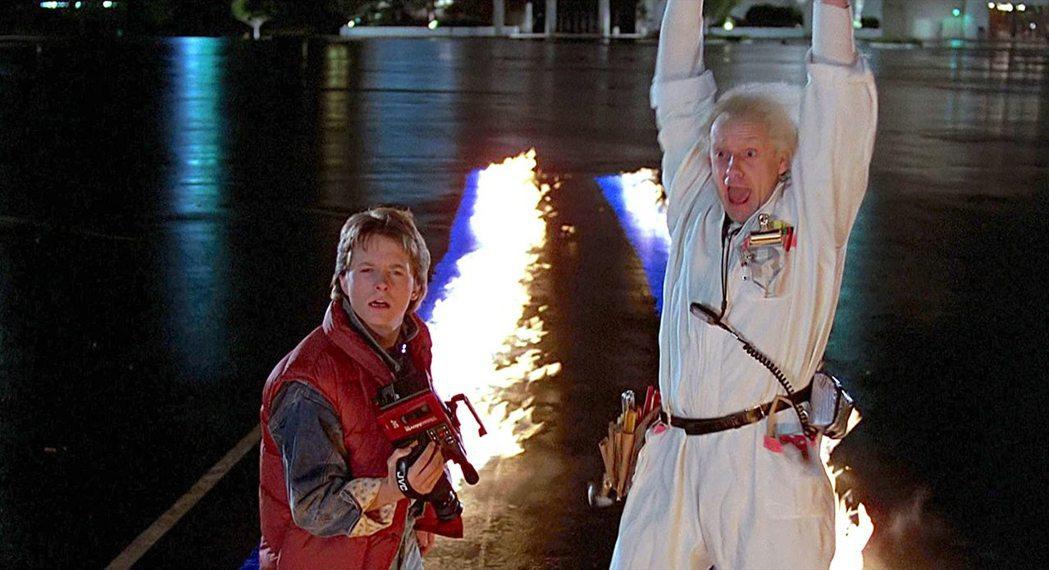 「回到未來」推出時造成全球轟動,至今仍被視為科幻喜劇經典。圖/摘自imdb