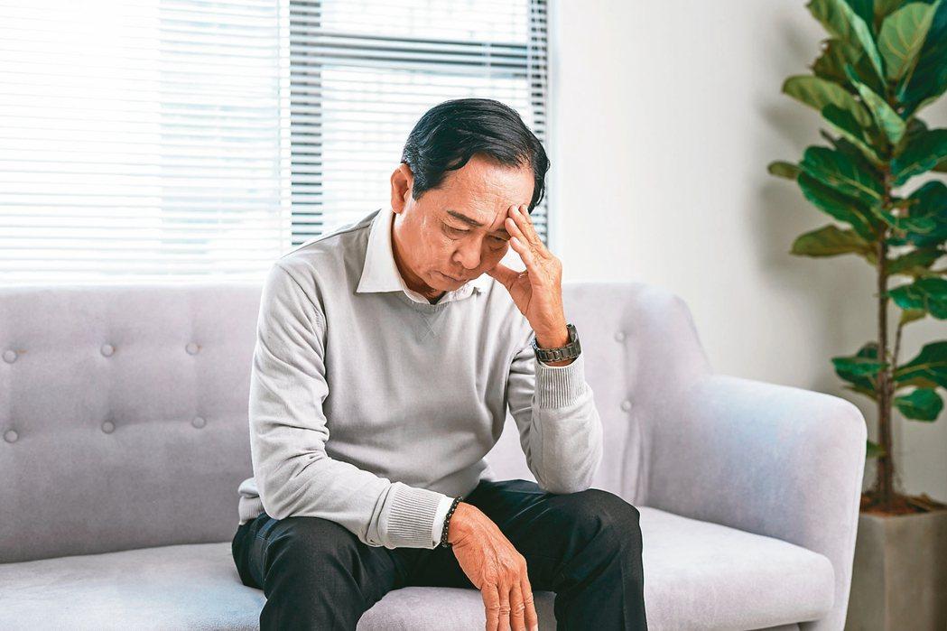40歲以後應該定期量血壓,有高血壓家族史的民眾,25歲起就可以開始定期測量血壓。...