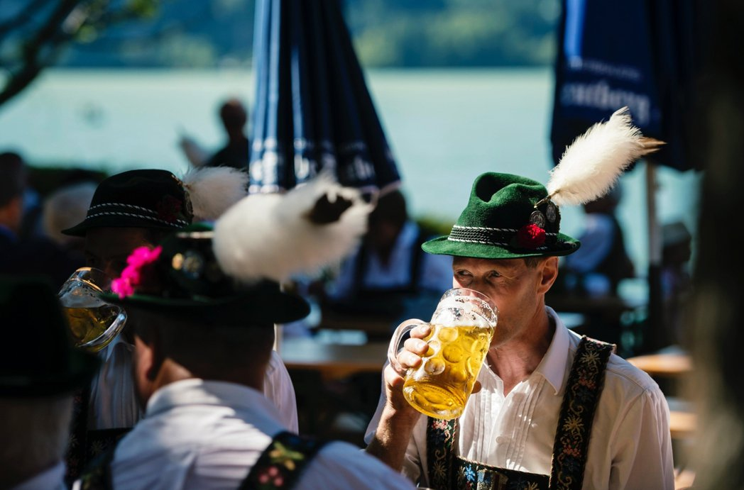「疫情過後,整個產業恐怕無法完全恢復原貌了。」圖為慕尼黑啤酒節資料照片。 圖/美...