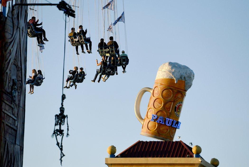德國將持續禁止大型公共活動,最快也要8月31日以後,才可能解禁,餐廳、酒吧等餐飲...