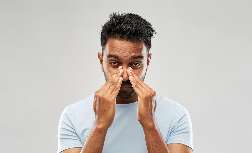 許多人感冒或過敏都會引起鼻塞,但如果時間持續太久最好趕快就醫。 圖/ingima...