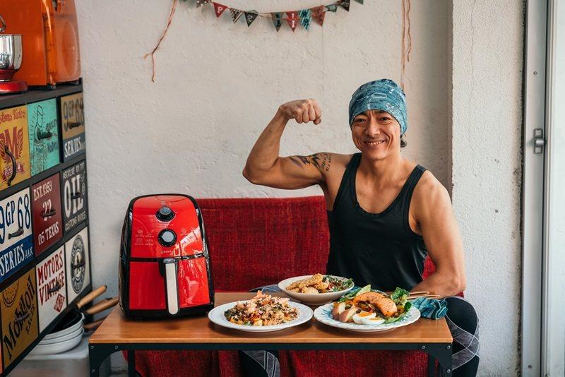 型男主廚張詣Eason示範運動料理。 攝影/Ray