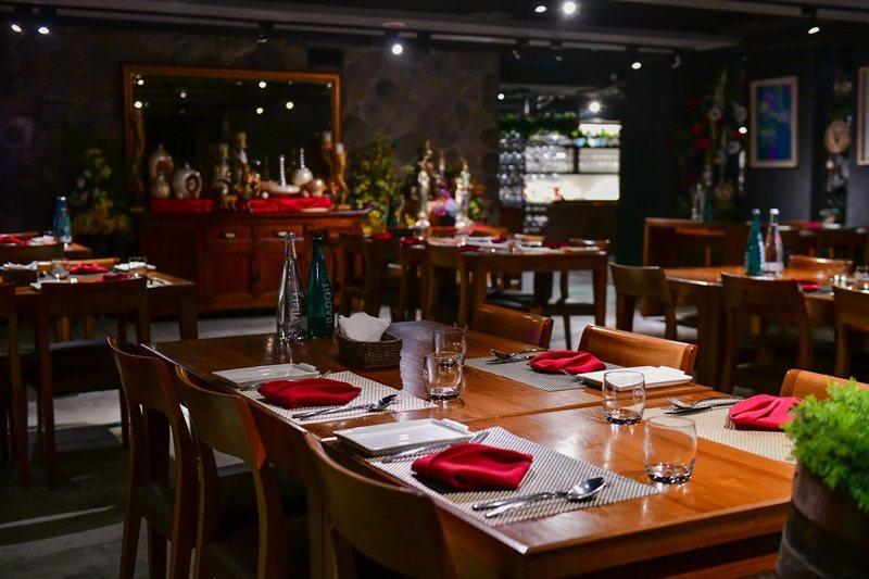 Wine-derful寬敞多樣的空間運用,符合各式葡萄酒聚會活動的需求。 攝影/周兆志