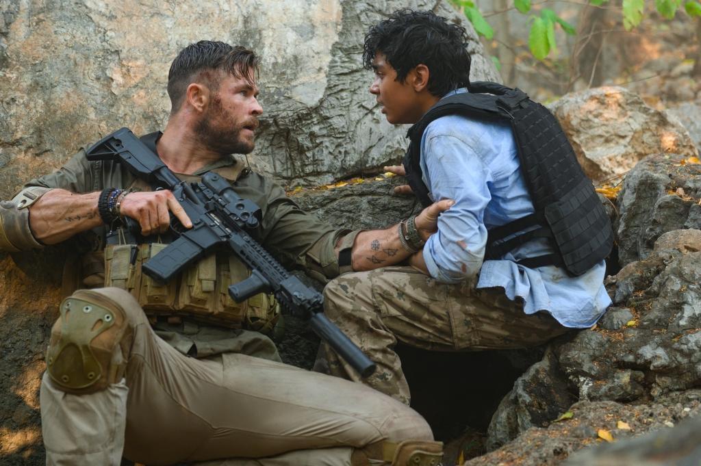 克里斯漢斯沃主演「驚天營救」在Netflix上線。圖/Netflix提供
