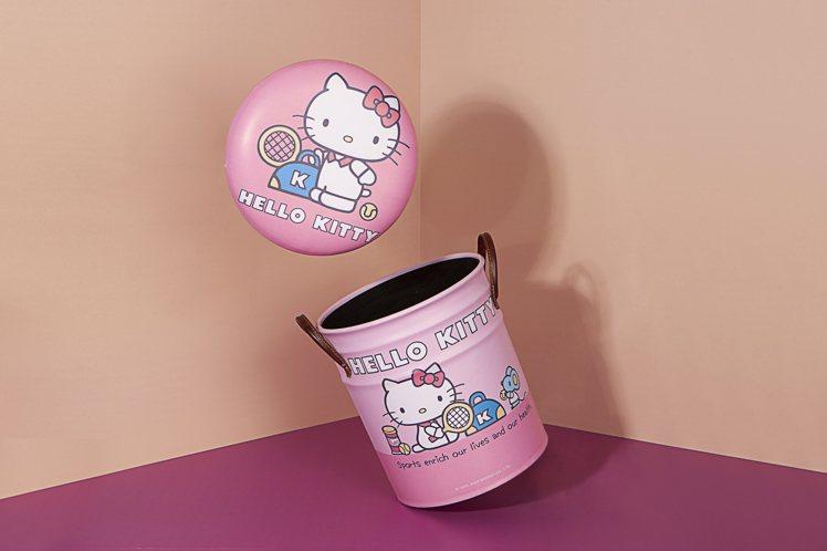 Hello Kitty網球系列鐵桶收納椅原價1,580元,會員加購價999元。圖...