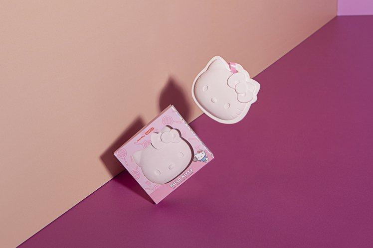 Hello Kitty羽球系列香氛石膏片原價350元,會員價259元。圖/生活工...