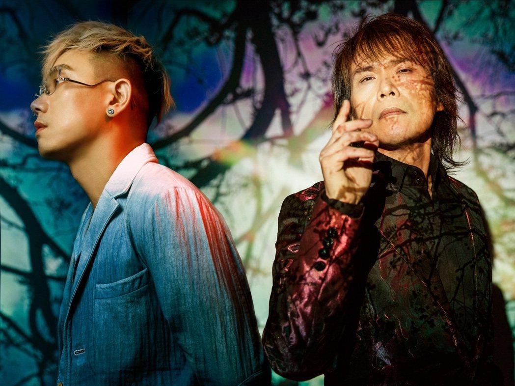 伍佰(右)與台灣首席DJ林哲儀催生全新搖滾電音單曲「重生」。圖/ROKON滾石電