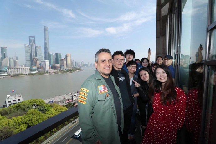 羅素兄弟釋出去年至上海宣傳「復仇者聯盟:終局之戰」的照片。圖/摘自微博