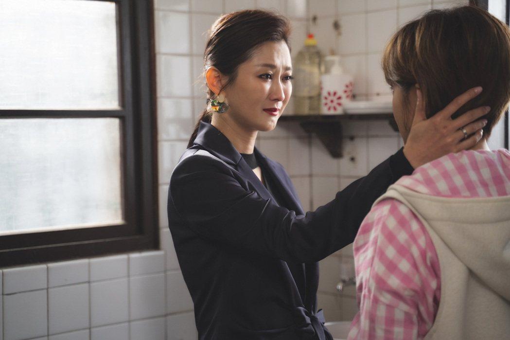 陳珮騏(左)、張允曦演出對手戲,還沒開拍2人相望就落淚。圖/東森提供