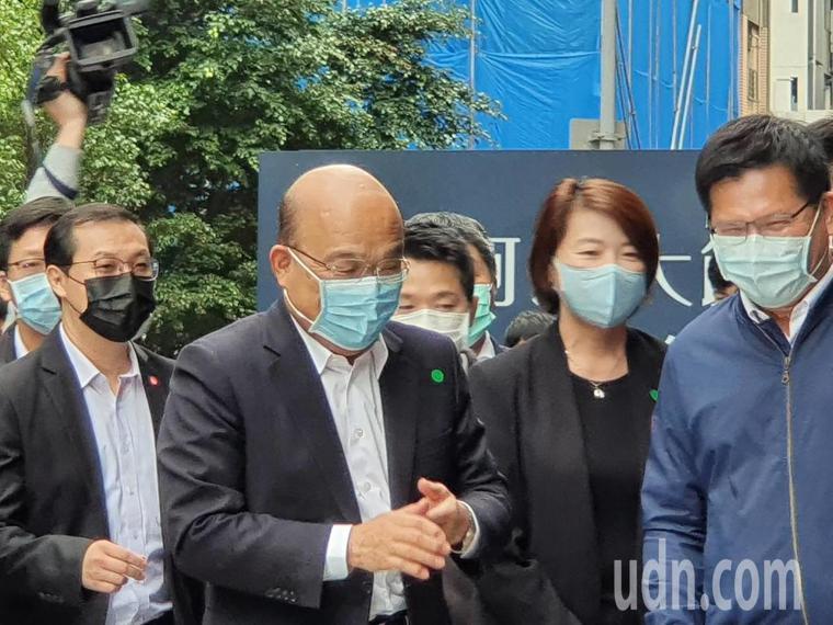 行政院長蘇貞昌上午在台北市參訪防疫旅館。記者楊正海/攝影