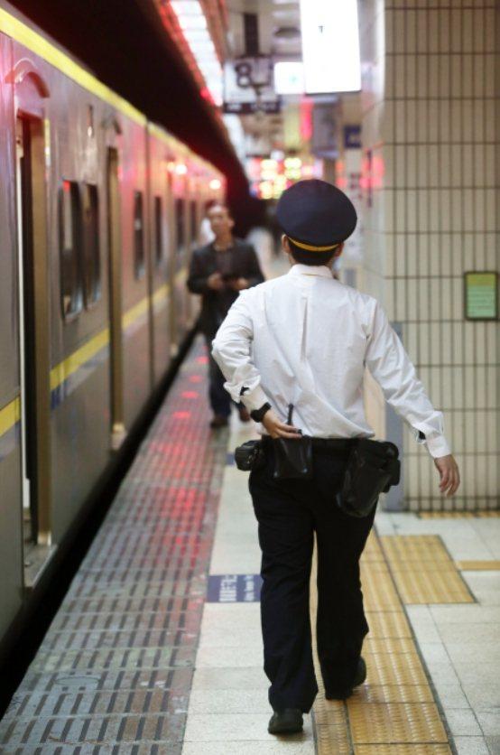 台鐵車長示意圖,非新聞當事人。本報資料照片