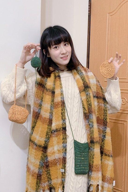 連俞涵喜歡手織小物,還親自織了10幾個手機套給劇組工作人員。圖/LINE TV提...