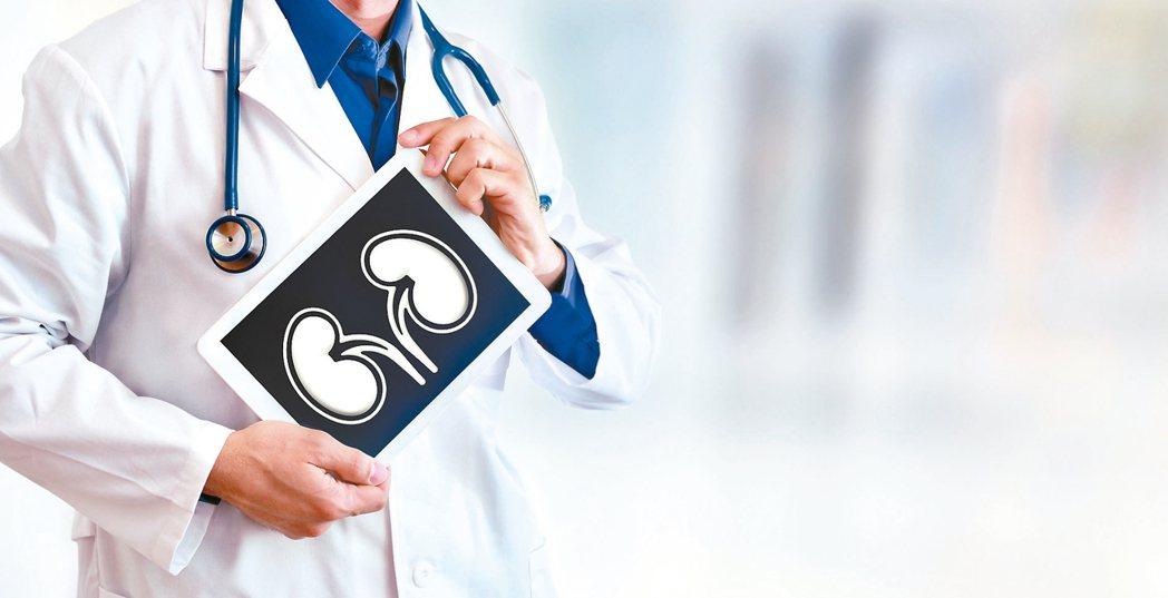 台灣有近9萬洗腎患者,其中約有8.3萬人是血液透析,腹膜透析約6000人,由於洗...
