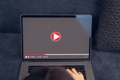 YouTube首支上傳影片距今15年 短短18秒點擊超過9000萬