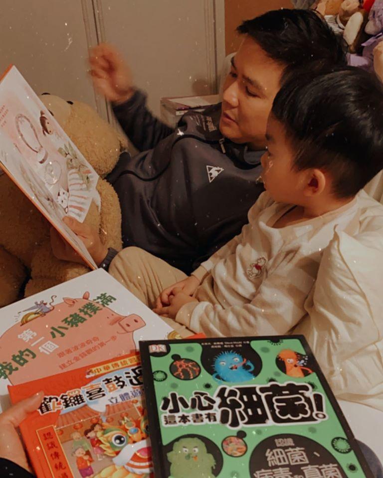 劉香慈讚老公幫忙照顧小孩是「神隊友」。圖/摘自臉書