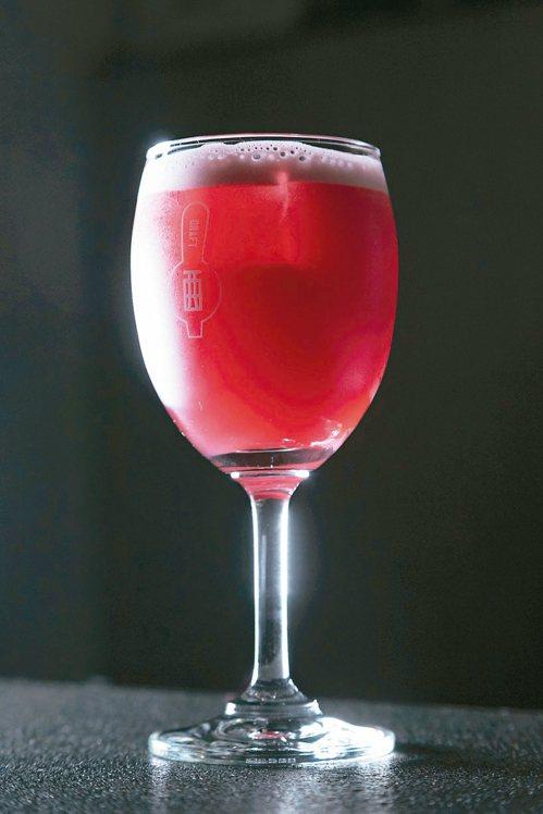 「Red Cobbler」有類似香料熱紅酒的風味。記者陳立凱/攝影