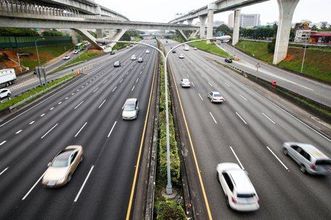 台灣都市交通問題解方?減少車輛出行的兩項根本性改革