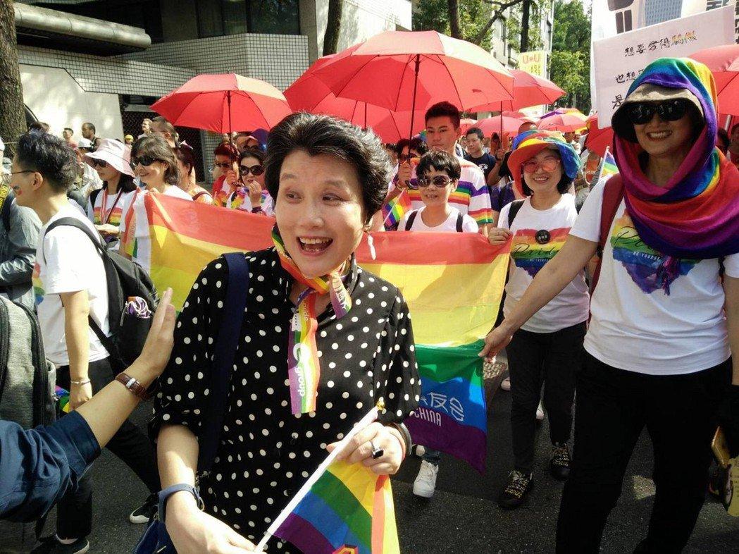 郭媽媽致力投入同志運動,幫助同志和同志父母。 圖/郭媽媽 提供